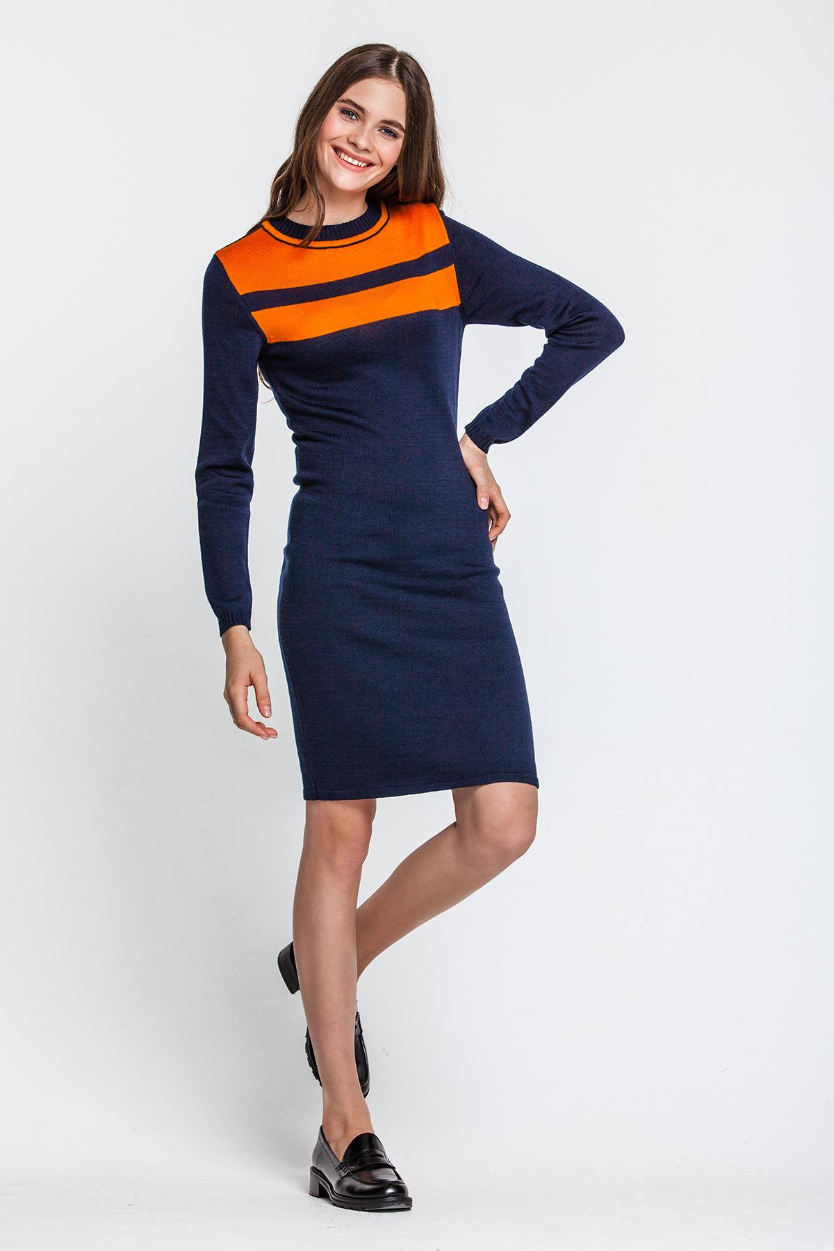 Strickkleid, dunkelblau mit orangen Streifen