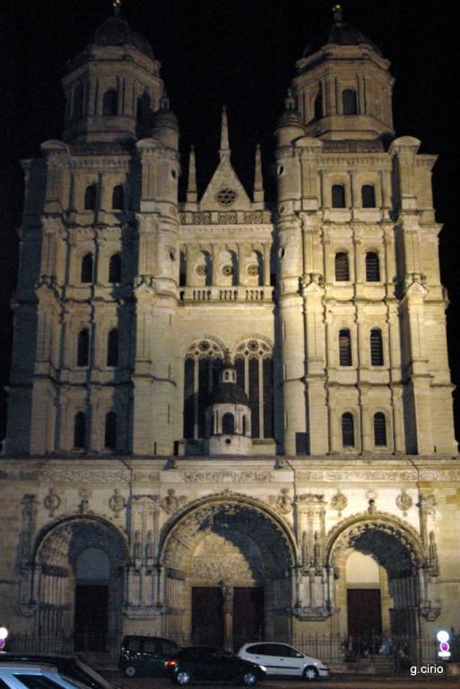 Façade église St Michel (la nuit)