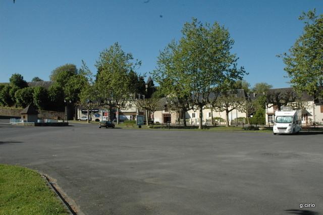 Bivouac place du vieux lavoir Carnac-Pompadour