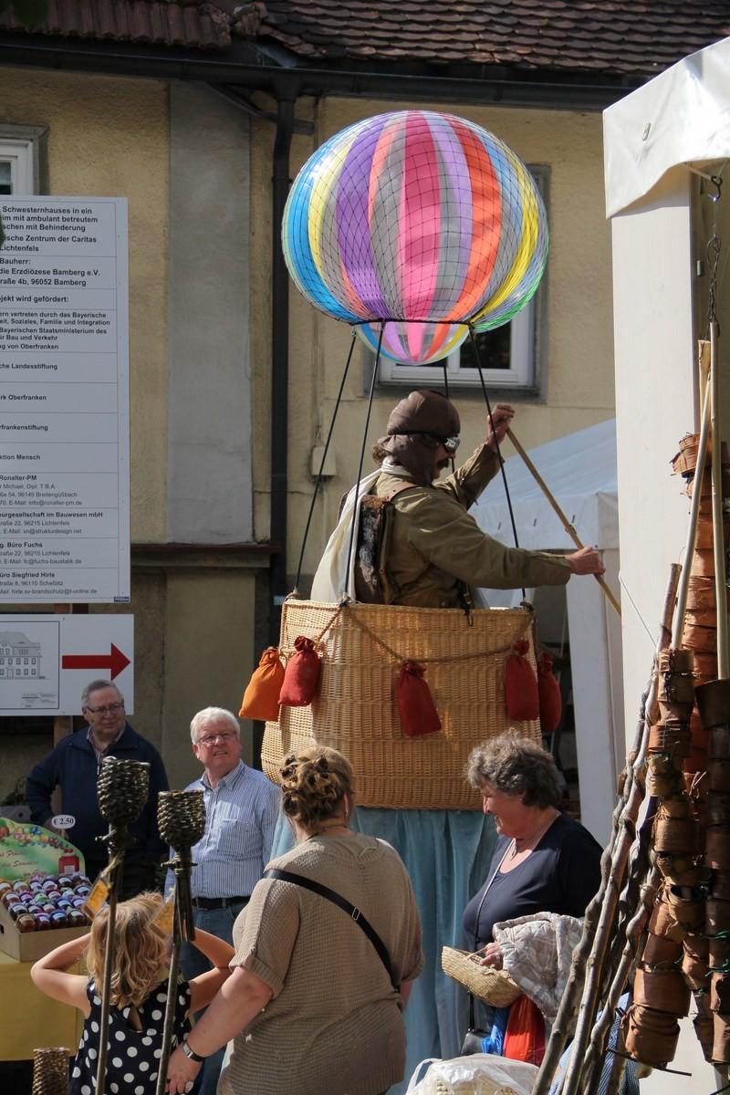 Le voyageur de l'extrème dans les rue de Lichtenfels