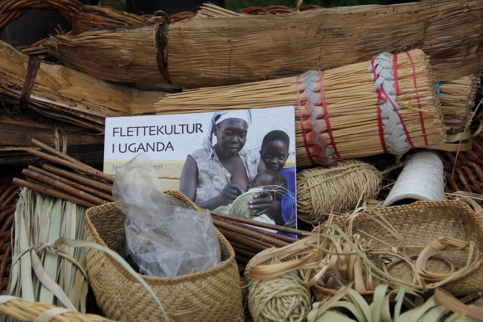 le nouveau livre de Jette Mellegren -vannerie ougandaise-