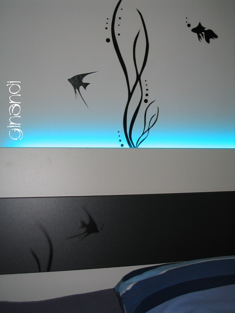 DETAIL: indirekte Beleuchtung hinterm Bett