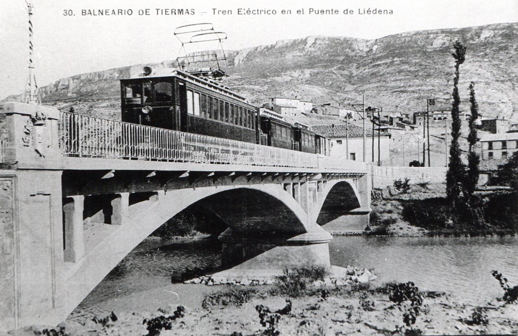 Hoy hace 110 años que el tren Irati realizó su primer viaje
