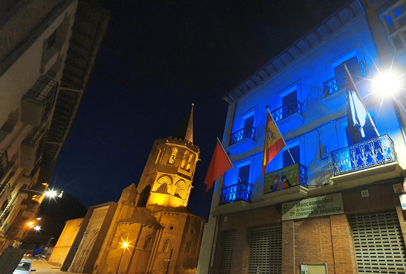 Iluminamos de azul nuestra sede por el Día Mundial de Concienciación sobre el Autismo
