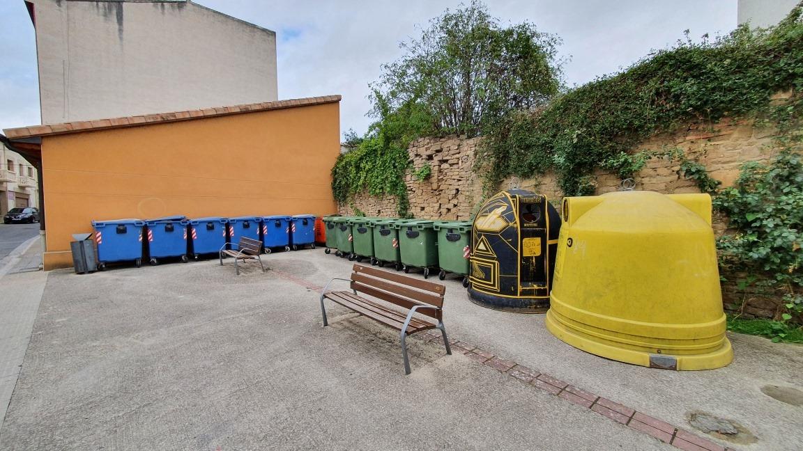 Aviso: los contenedores de la Plaza de Santo Domingo de Sangüesa cambian de ubicación