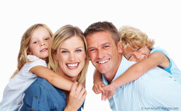 Die meisten Menschen denken bei Kieferorthopädie nur an schöne Zähne. Sie kann aber auch zur Gesundheit beitragen und ist in jedem Alter möglich.