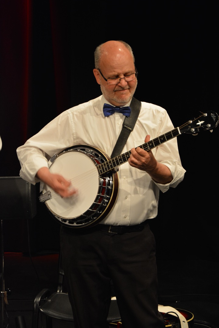 Heinz Glauser, banjo/guitar