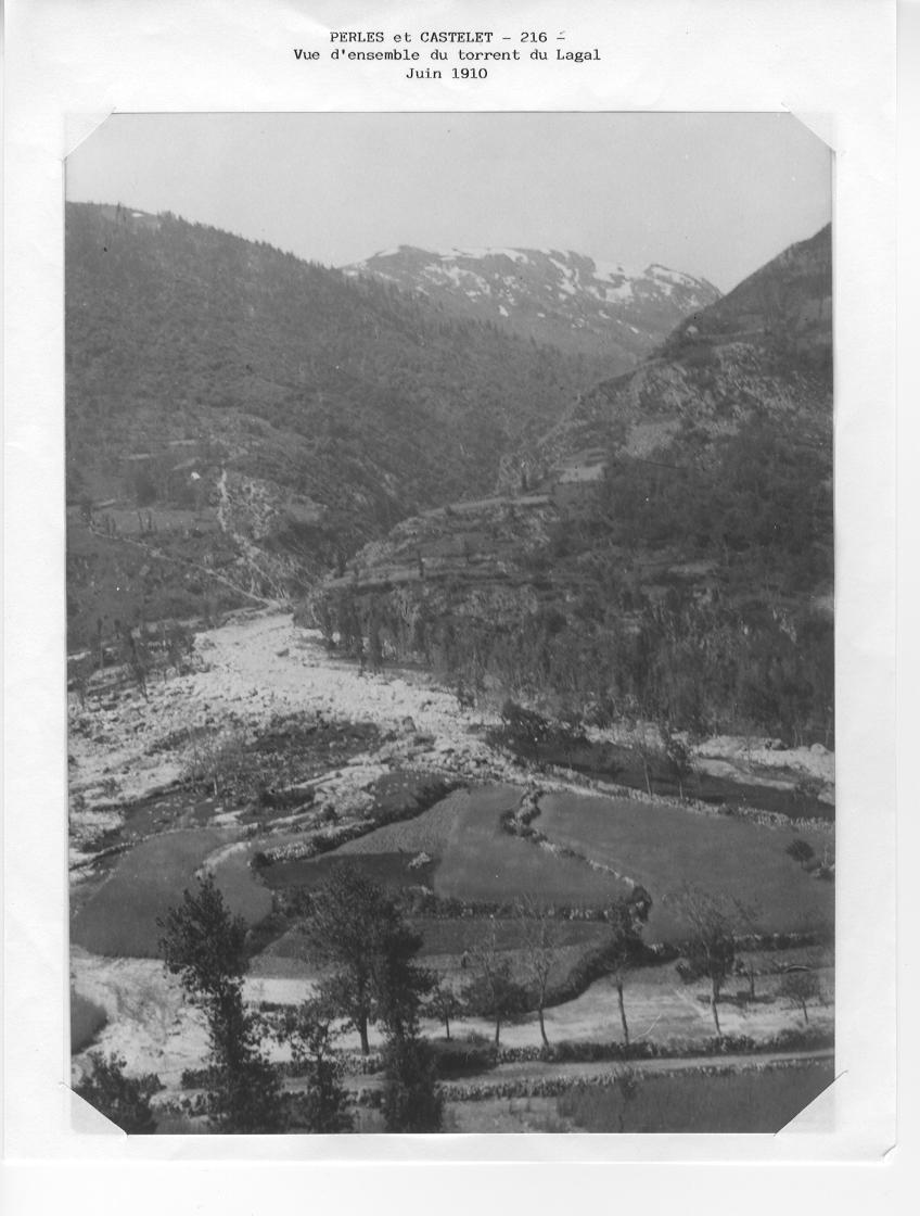 Les marques du passage de la crue du Lagal en 1910. © DDT 09