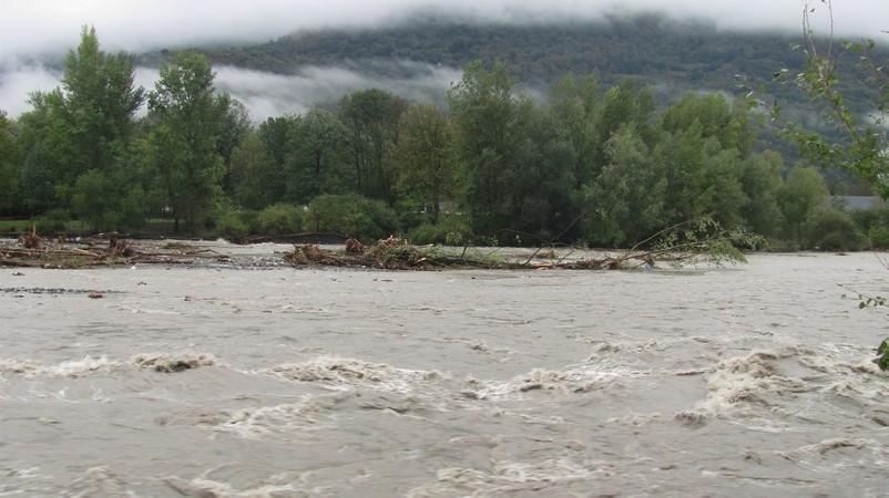 Beaucens. Gave en décrue en amont du lac des gaves. © C-PRIM 2012