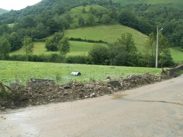 Le ruisseau de l'Appanice a débordé violemment. Le mur n'a pas résisté. © Joel Dufour (Service de Restauration des Terrains en Montagne)