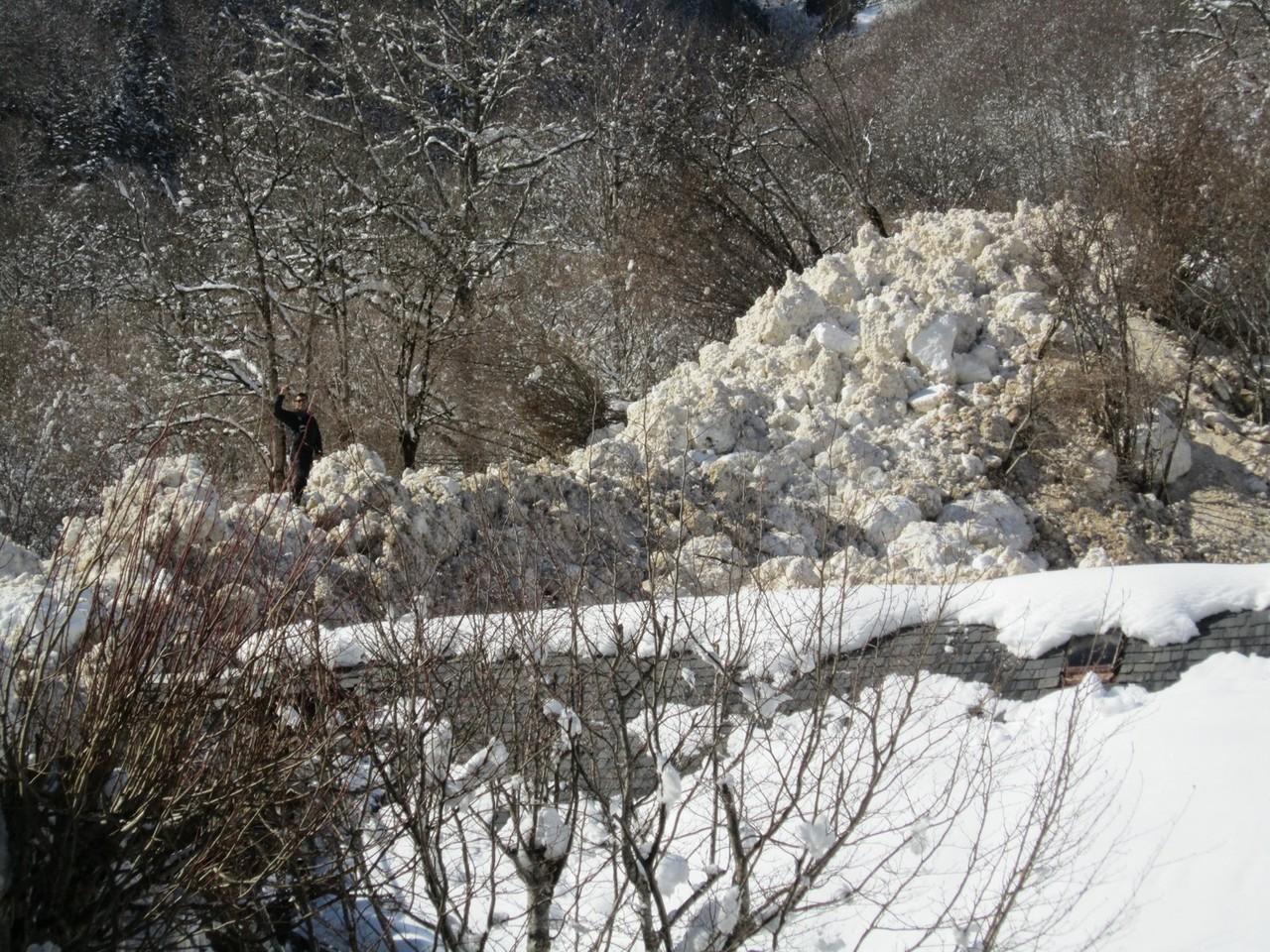 L'épaisseur de la coulée atteint 10 à 15 m © Mairie de Luchon