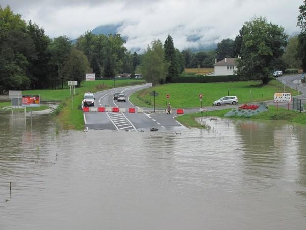 Coarraze. La route départementale 938 est coupée. © C-PRIM 2012