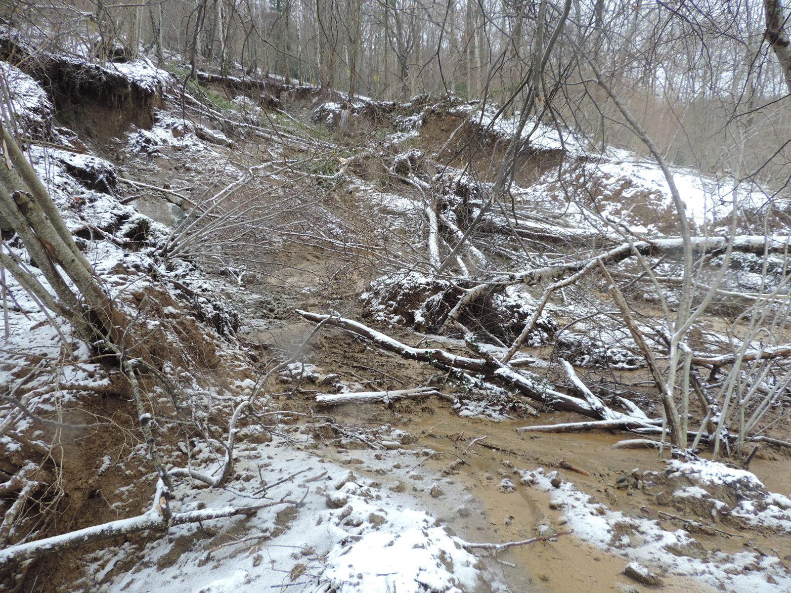 Coulée de boue sur les versants de Montferrier le 28 février. © DDT 09