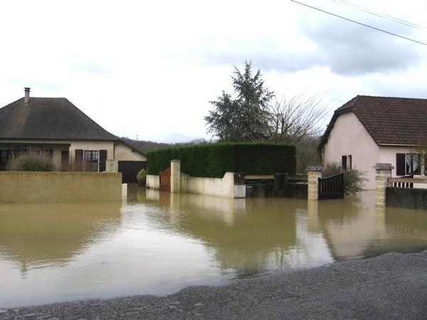 Lotissement des Barthes sous les eaux à Mourenx.  © cprim 2011