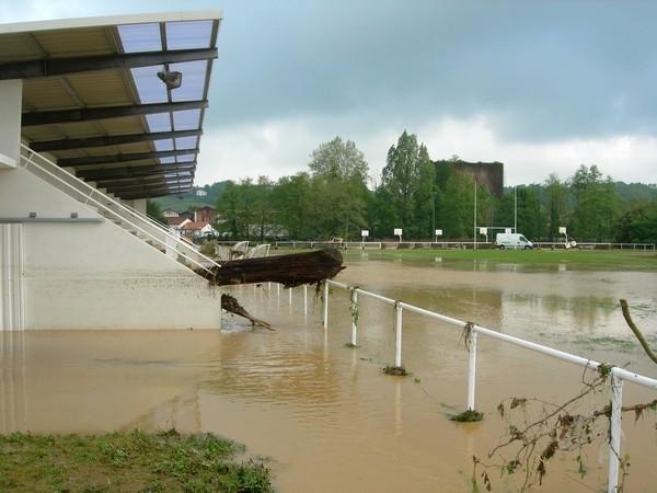 Stade de Saint-Pée-sur-Nivelle après la crue  © C-PRIM 2011