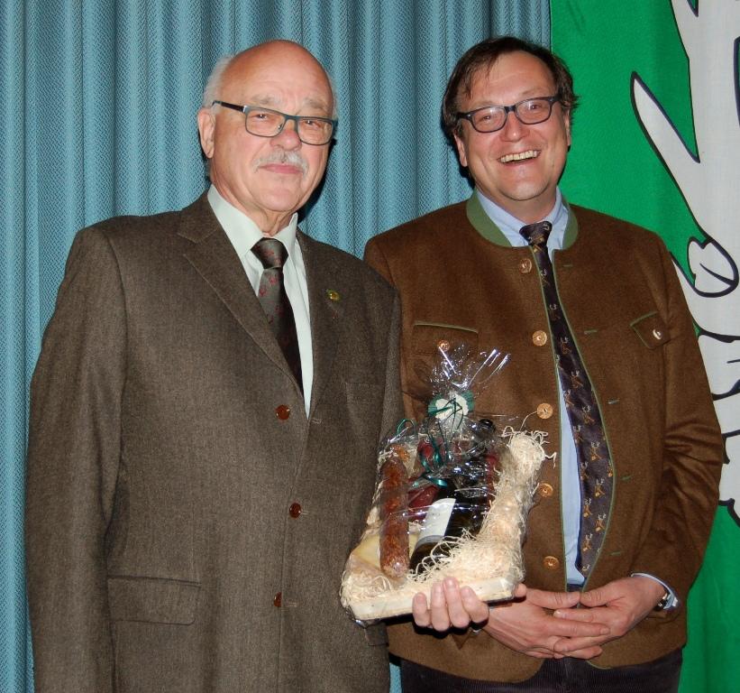 36 Jahre Schießobmann! Peter Pawlowski wird zu Ehrenmitglied ernannt.