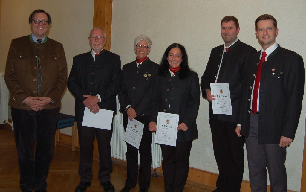 5 Jahre Mitglied im Bläserkorps: Anita Mergl, Jenny Nörenberg, Tobias Günther, Danny Holler.