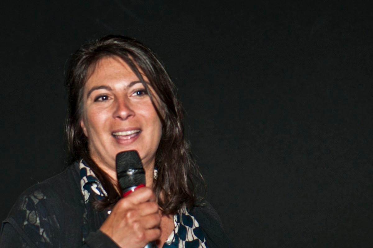 """Julie pace, réalisatrice du documentaire """"Découvertes archéologiques aux portes de Narbonne""""."""