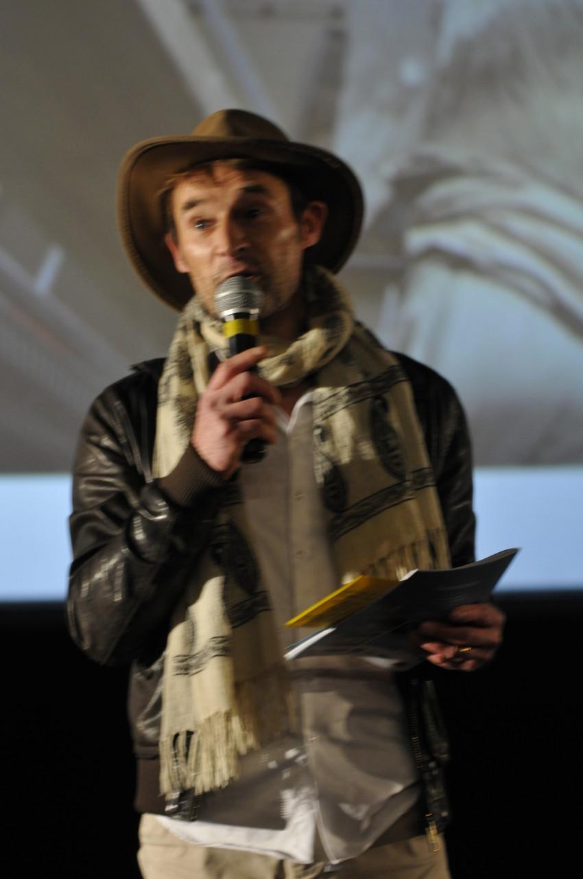 Alain «Indiana Jones», directeur du Gaumont, accueille le public