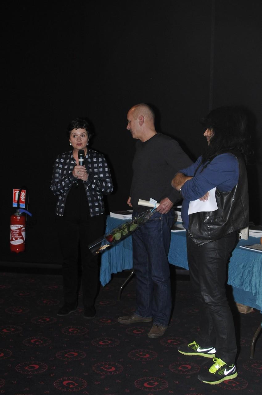 """Prix Jule Verne - Amiens Métropole (1500 euros) catégorie """"Avnture humaine"""" remis à """"Angkor, entre ciel et terre"""" réalisé par Olivier Horn, représenté par Nicolas Jouvin."""