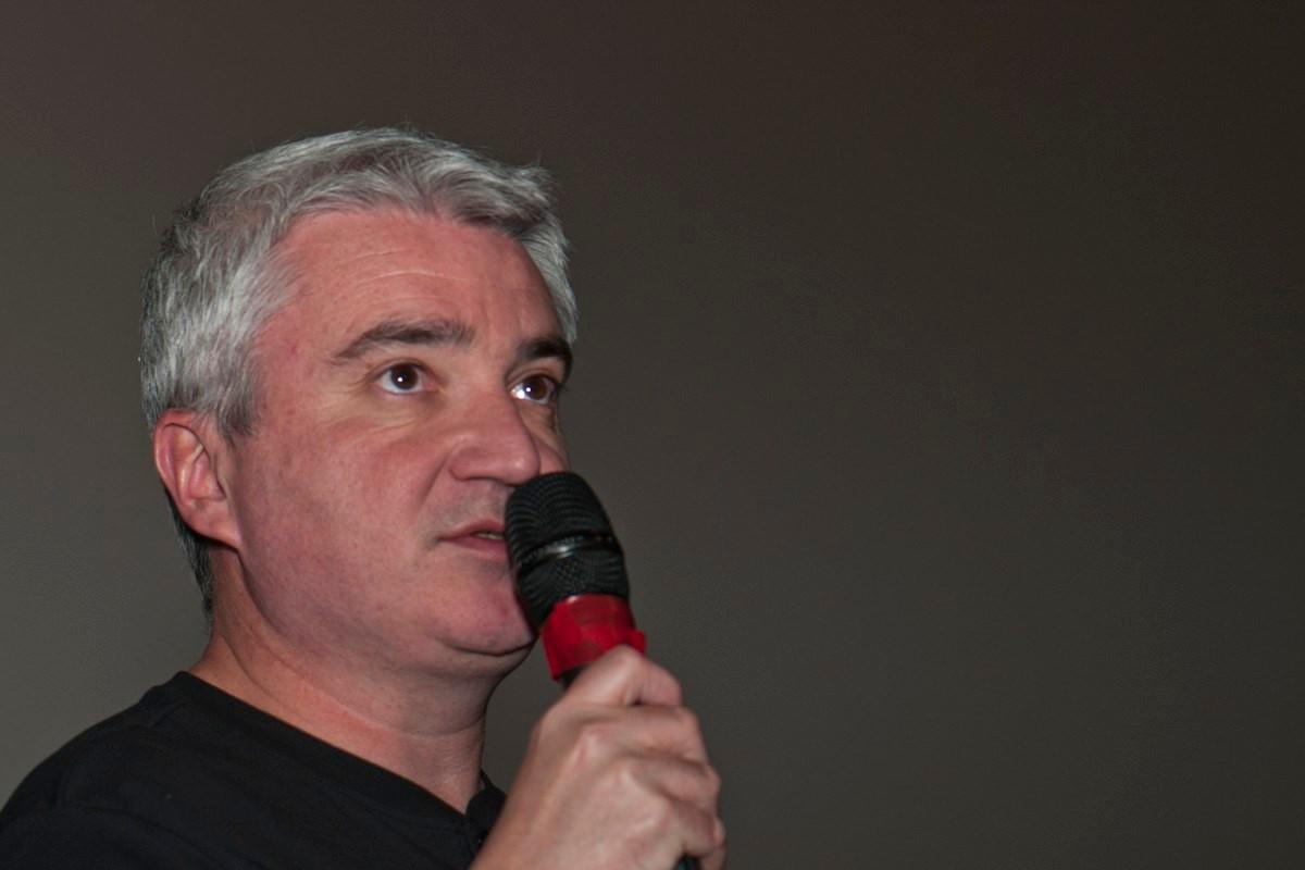 """Marc Azéma, réaliseteur des documentaires """"Ormesson, 47 000 ans d'histoires"""", """"35 000 BP"""" et """"L'énigme de la grotte des fées""""."""