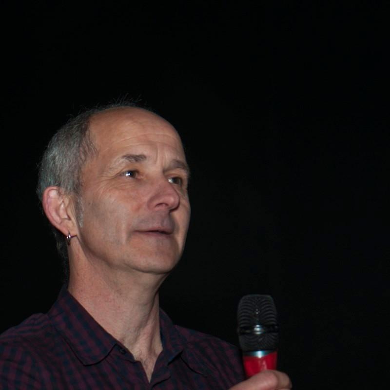"""Pierre BODU, chargé de recherches et directeur de l'Équipe d'Ethnologie préhistorique au CNRS, intervenant dans le documentaire, """"Ormesson, 47 000 ans d'histoires"""""""