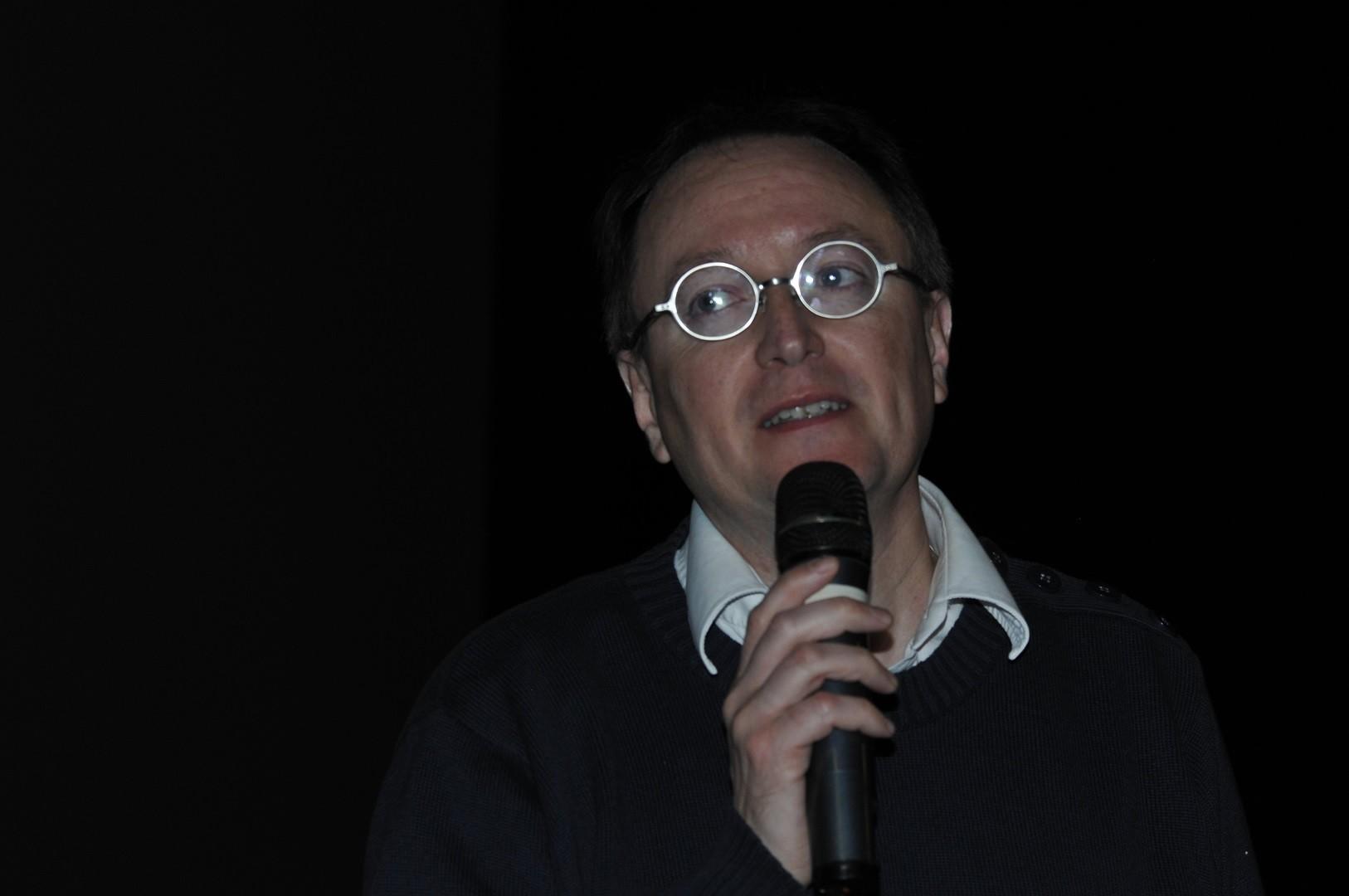 Philippe Blanchard, archéologie Inrap, co-responsable des fouilles, répond aux questions du public sur Les mystérieuses catacombes de Rome