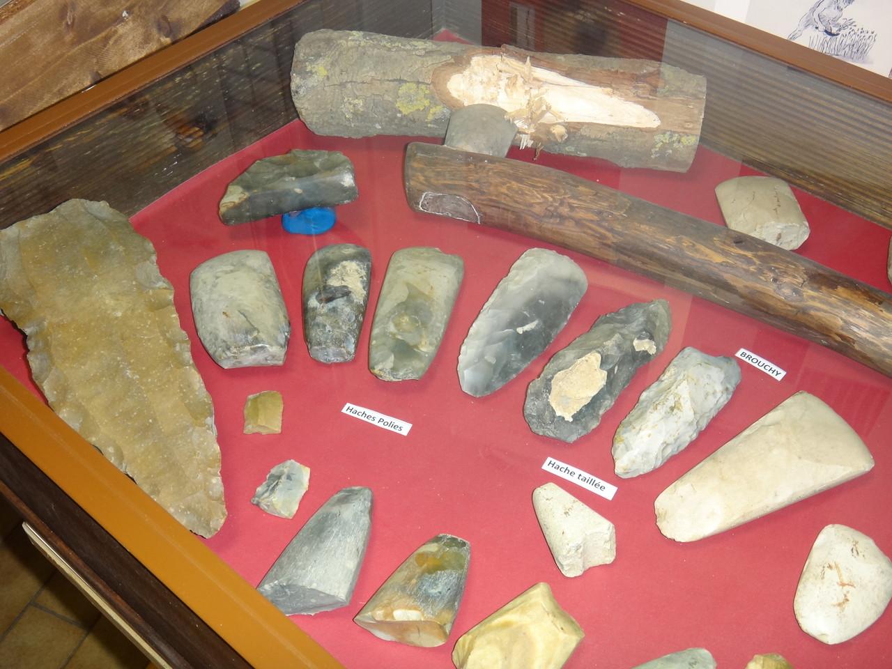 Alignement mégalithique de la pierre qui pousse - Eppeville - d'après les descriptions du 19ès.