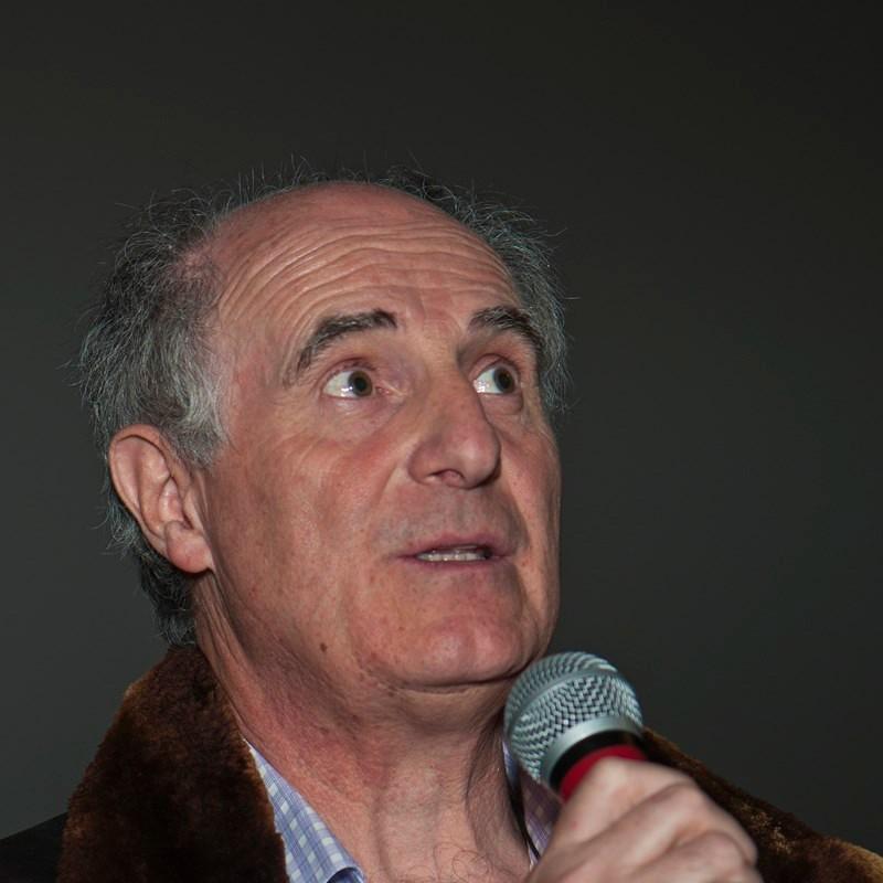 """Axel Clévenot, réalisateur de """"Sur les traces des premiers provençaux""""."""