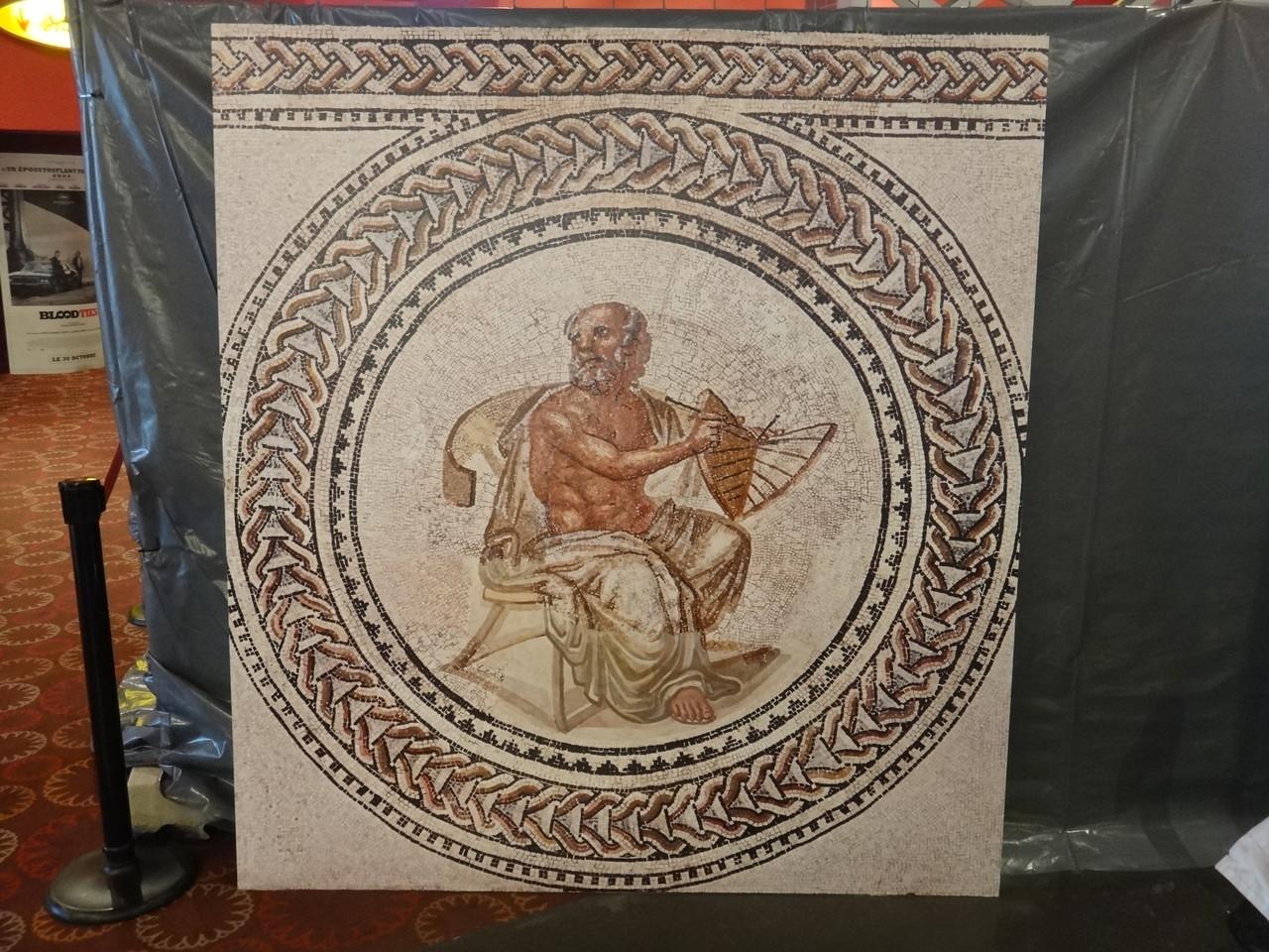 Reproduction d'une mosaïque de trèves prêtée par le Musée de Picardie