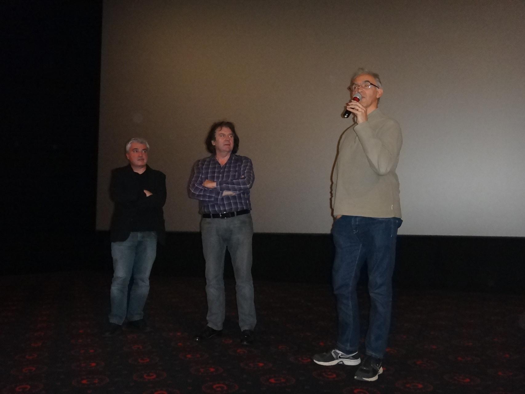 """Jean-Pierre Fagnart, avec Marc Azéma et Jean-Luc Rieu, réalisateur et intervenant de """"Les chasseurs de Pincevent""""."""