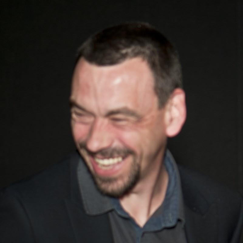 """Yoann Cotron, réalisateur du documentaire """"Un nouveau regard. Etude scientifique de la sépulture du Musée de Rumilly"""""""