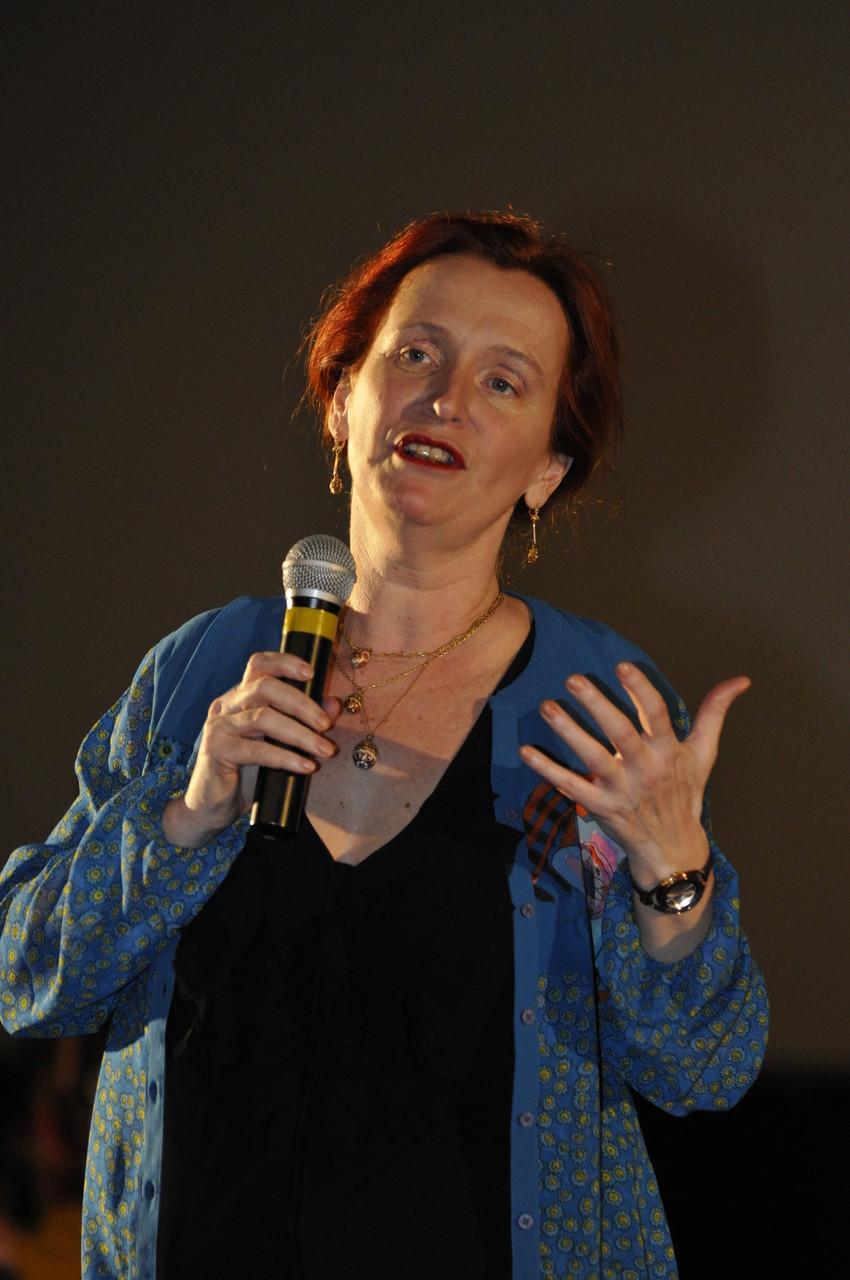 Sophie Cattoire, réalisatrice, présente La Naissance de la Préhistoire