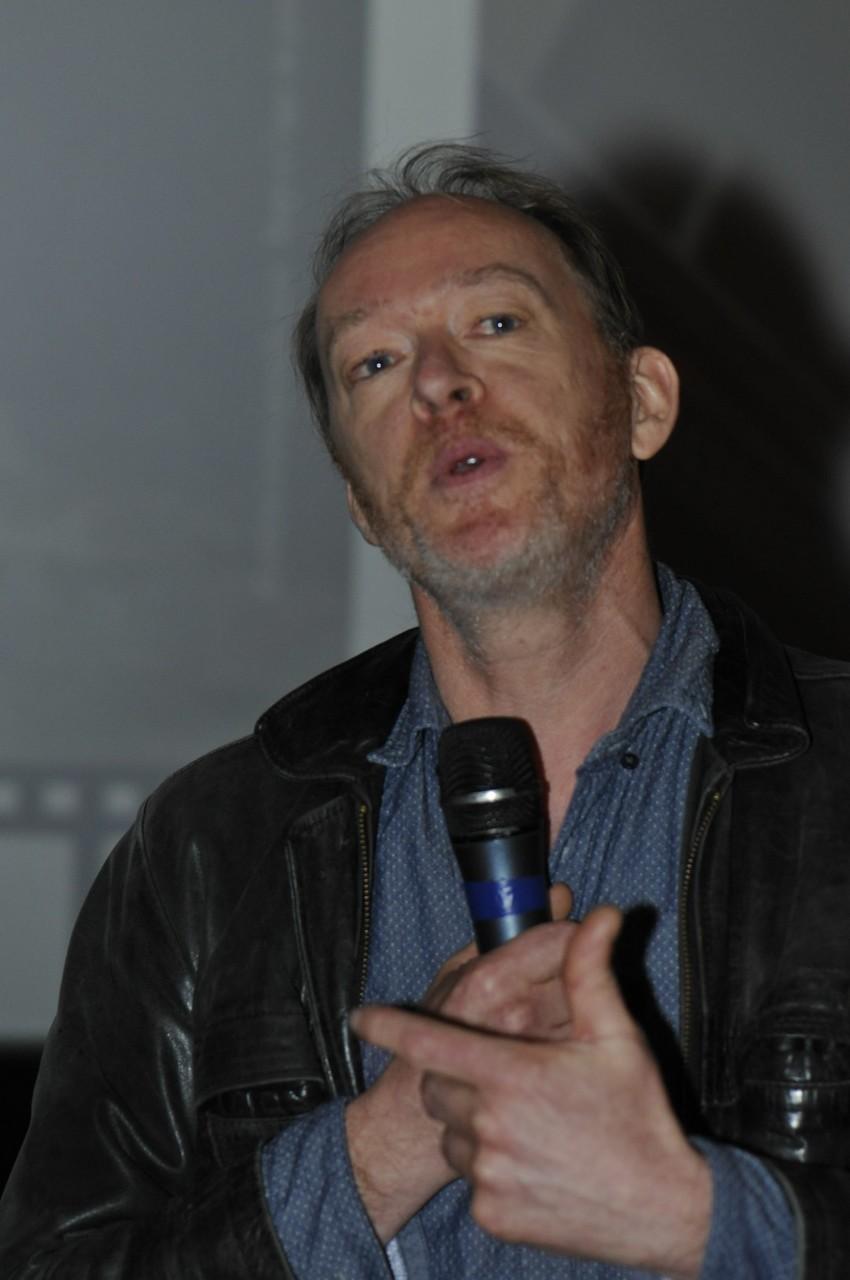 Rob Hope, réalisateur, présente Crépuscule néandertalien pour aube moderne