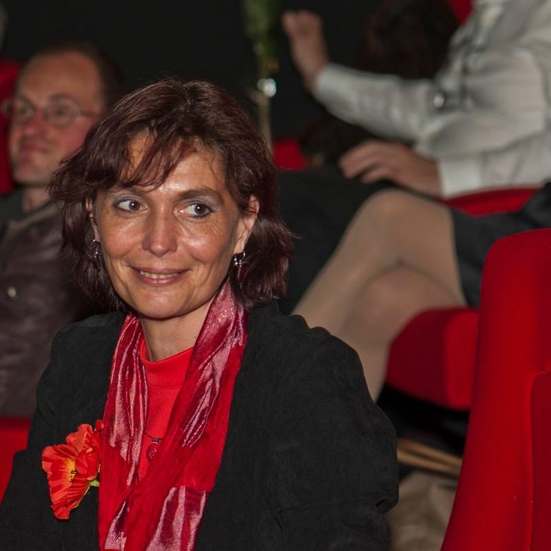 Françoise Payen, présidente du CIRAS, chargée de l'accueil des réalisateurs et intervenants.