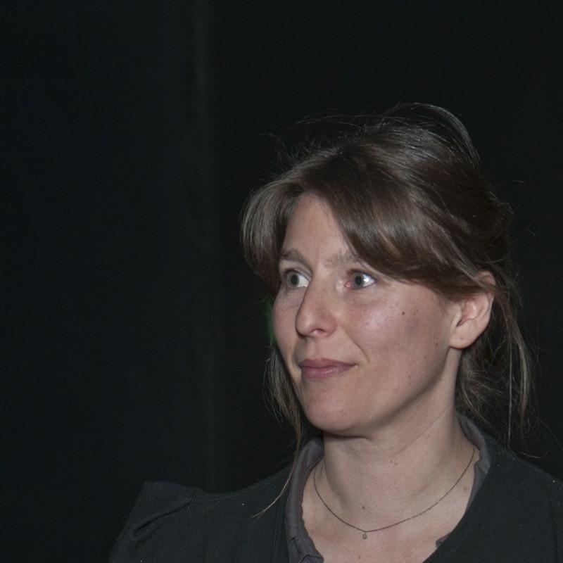 """Estelle Brugerolles, réalisatrice du documentaire """"Aménagement du sanctuaire gaulois de Corent"""" – avec Estelle Brugerolles."""