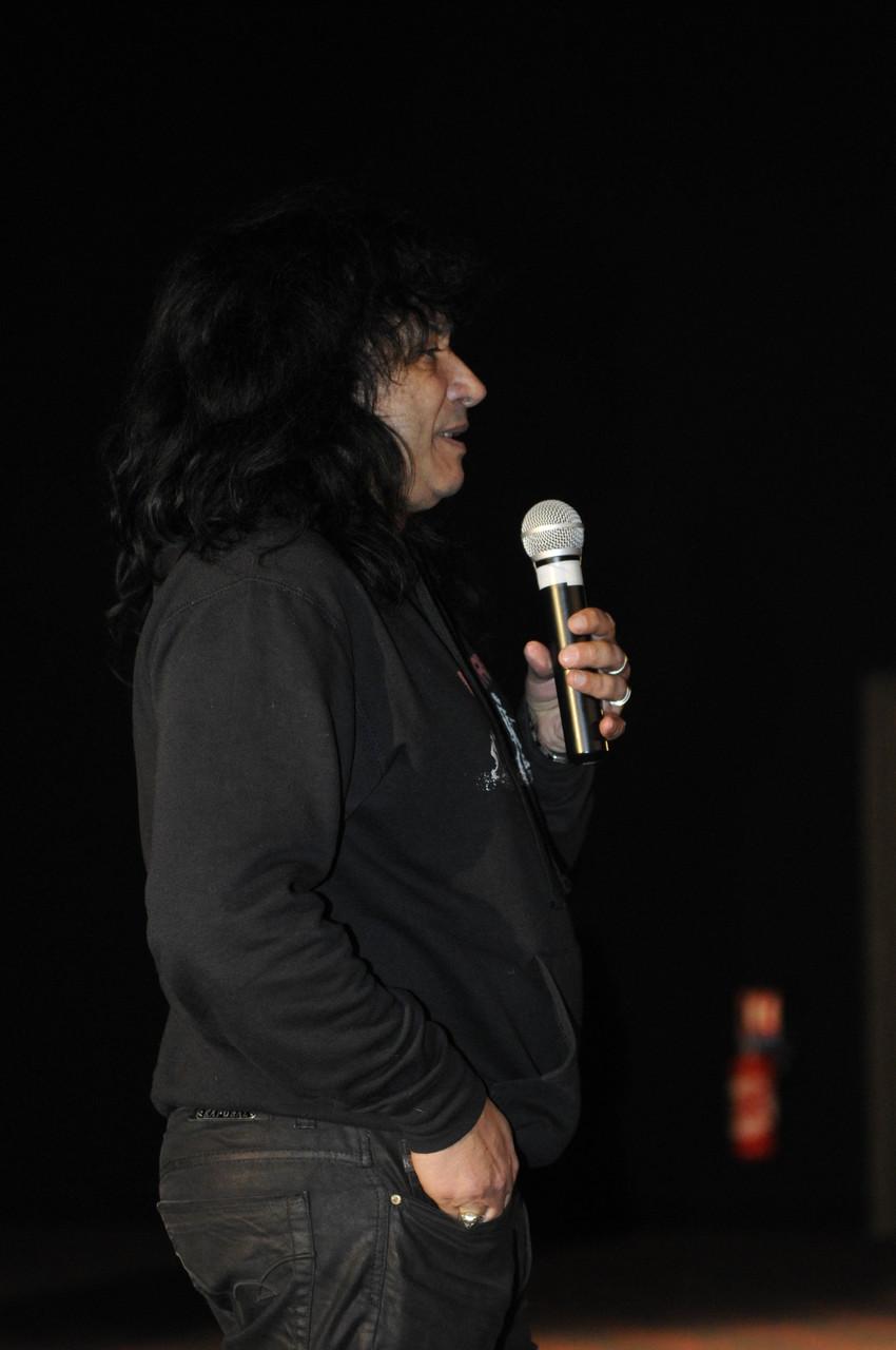 Tahar Benredjeb, directeur du festival, lance l'inauguration