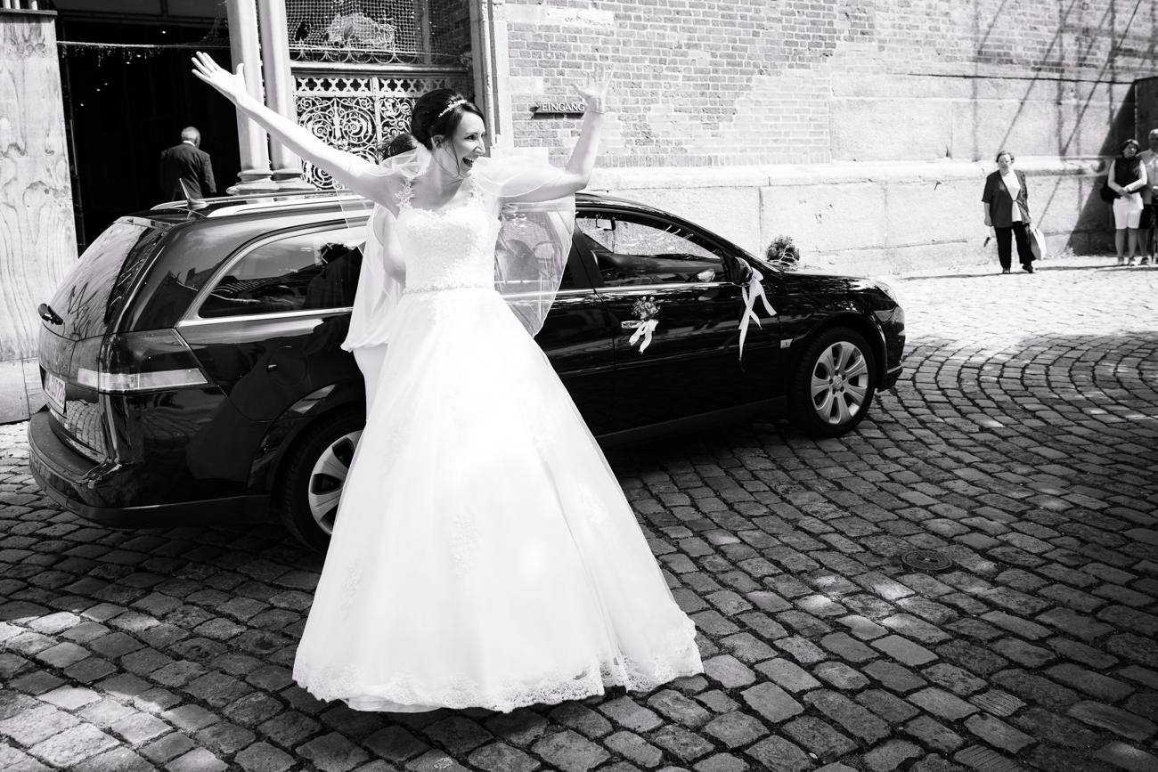 Ankunft der Braut vor der legendären Lübecker Marienkirche