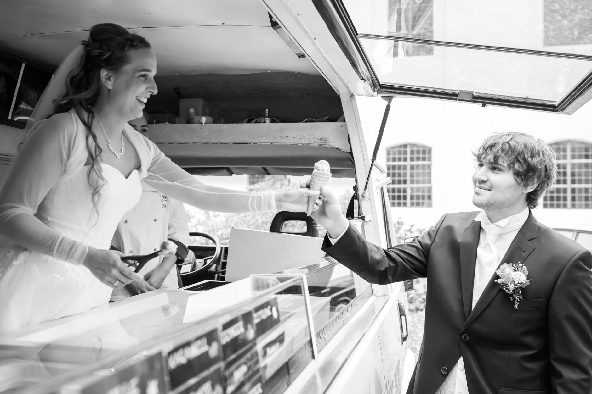 der eigene Eiswagen, gerade ein kleiner Trend bei Hochzeiten