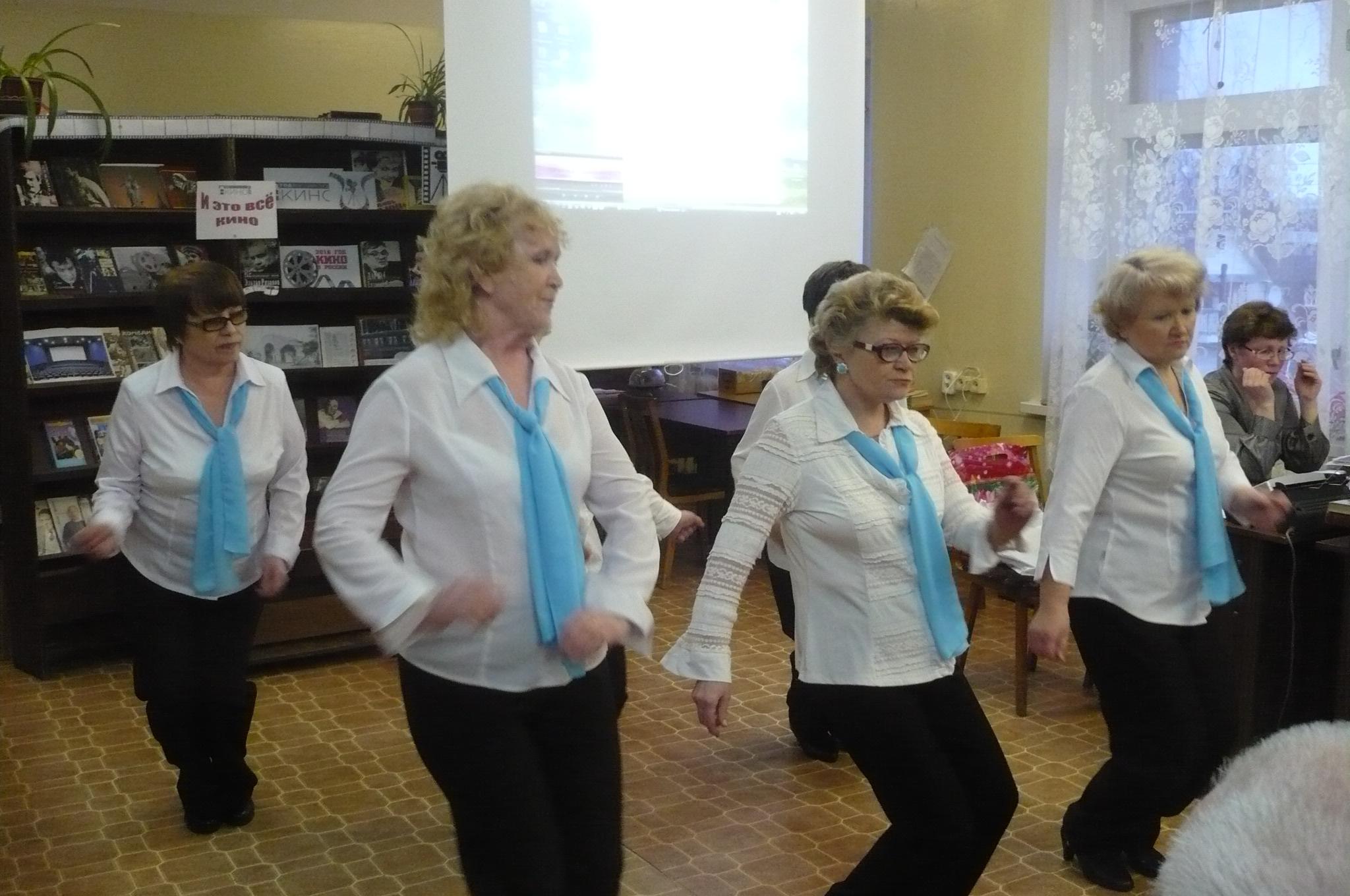 Группа «Пудожаночка» (руководитель Т.А. Демшинова).