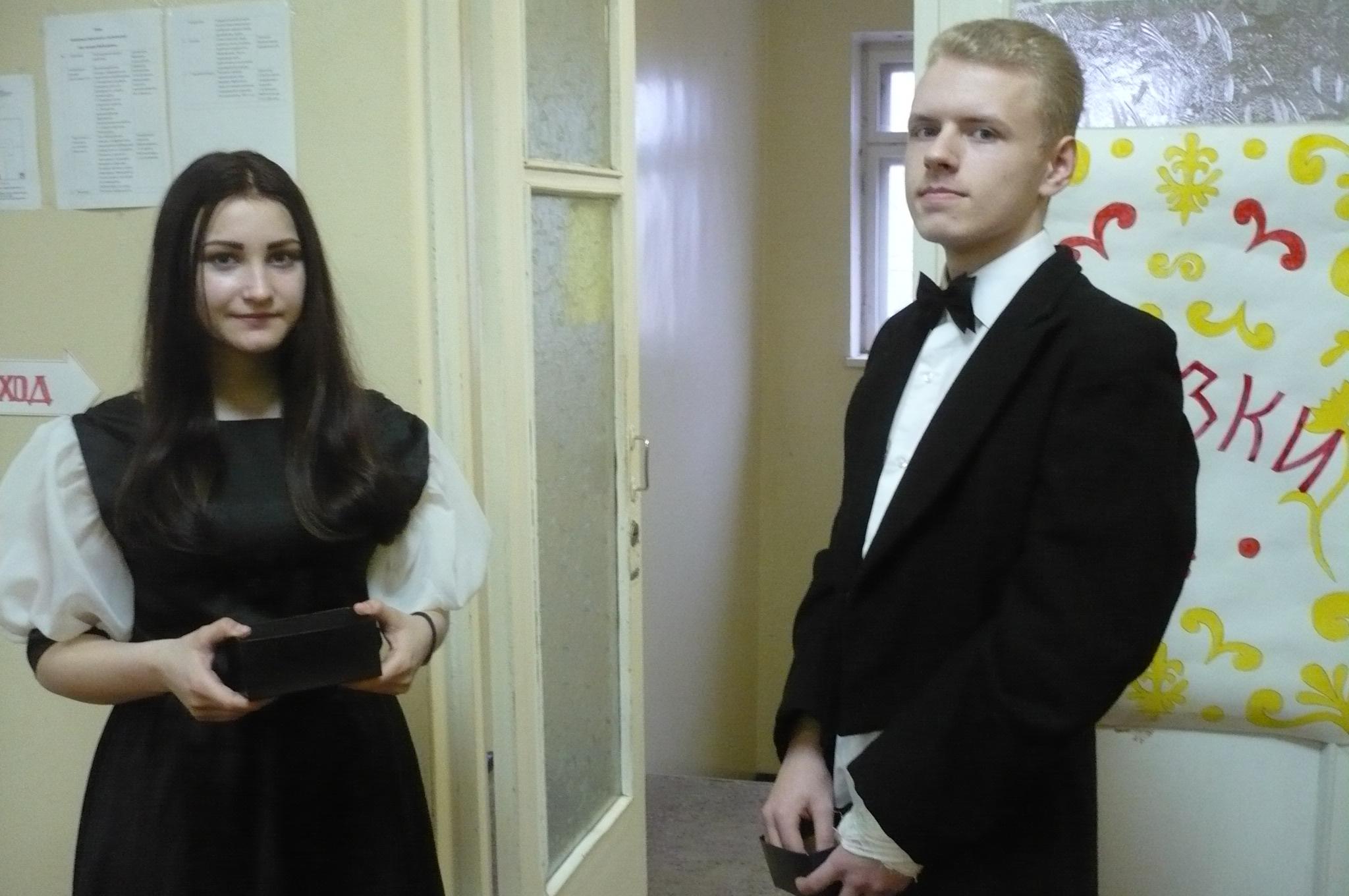 Волонтеры «Лиги добра» Алина Провоторова и Данила Крицкий