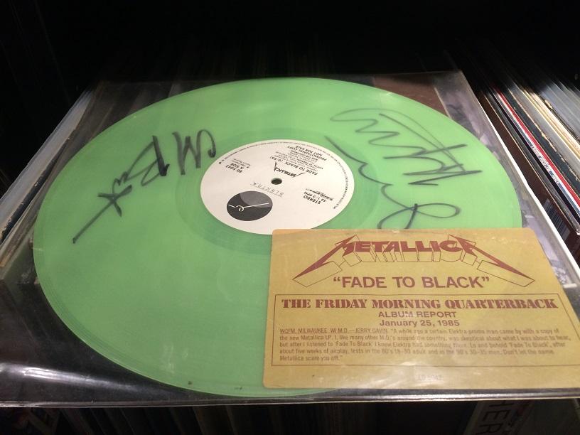 Signiert von Cliff Burton und James Hetfield!