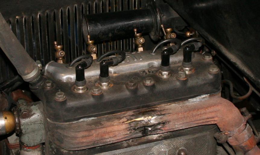 Particolare collettore di scarico rotto da saldare