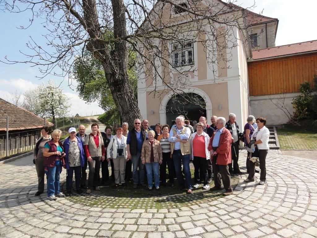 vor dem Barock-Keller Herzogenburg