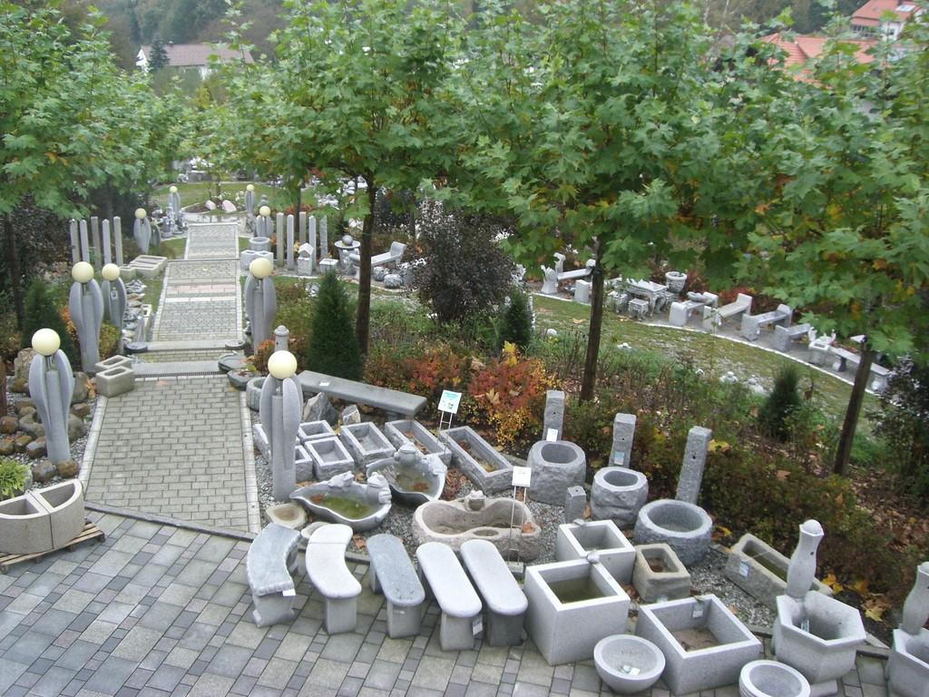 Ausstellung im Garten