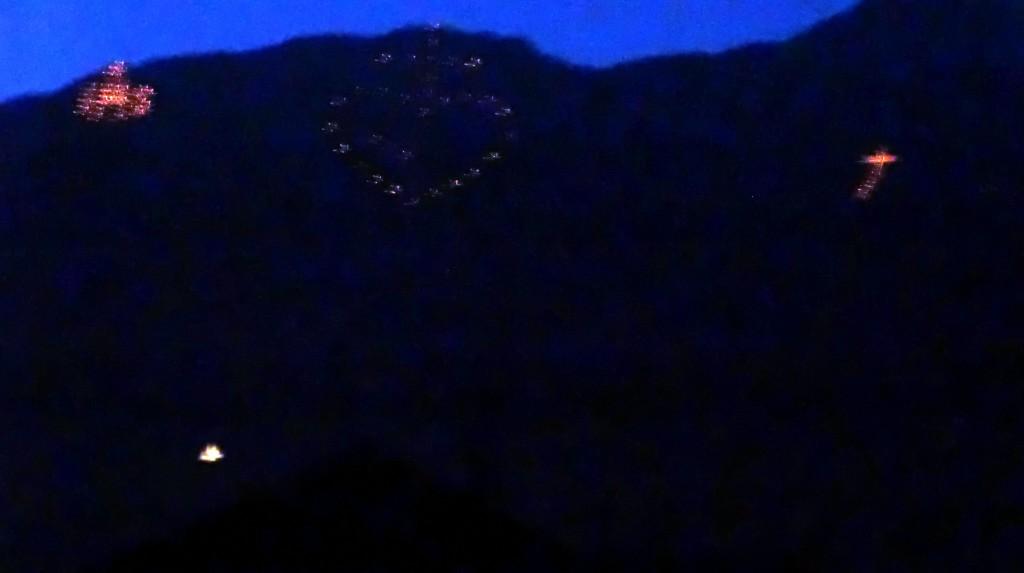 Herz Jesu Feuer in den Bergen