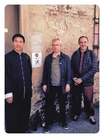 Chen Bing all'ingresso della Palestra in Via Gozzi 7 - Maggio 2016