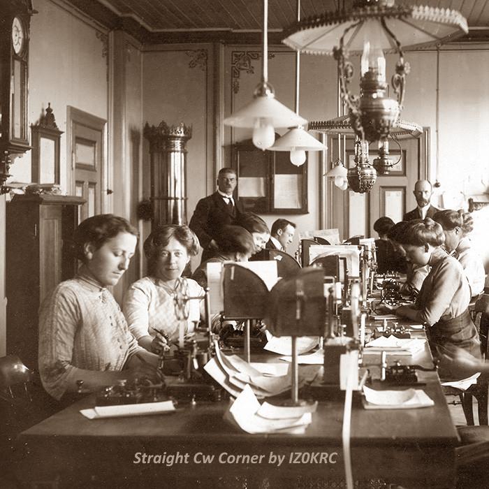 """Foto di un ufficio telegrafico Norvegese 1865 impiegato sulla linea telegrafica denominata """"da Nord a Sud""""."""