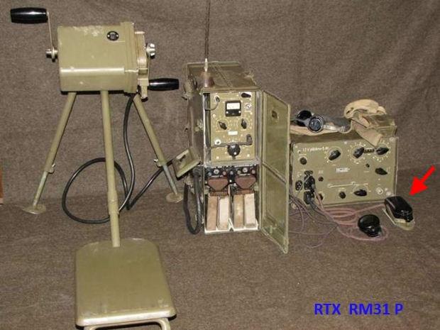 Radio ricetrasmittente Modello RM31 P - fonte : http://csla.cz/vyzbroj/spojovaciprostredky/rm31_1.htm