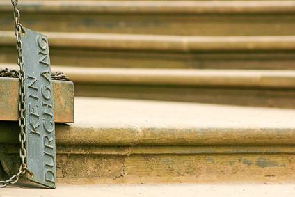 Alte Treppe an einer Kirche